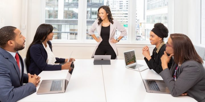 Desarrolla el arte de hacer reuniones virtuales delegadas